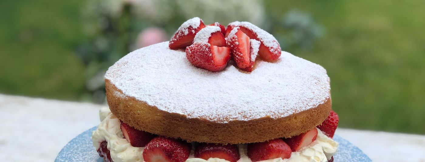 photo of a strawberry cream cake